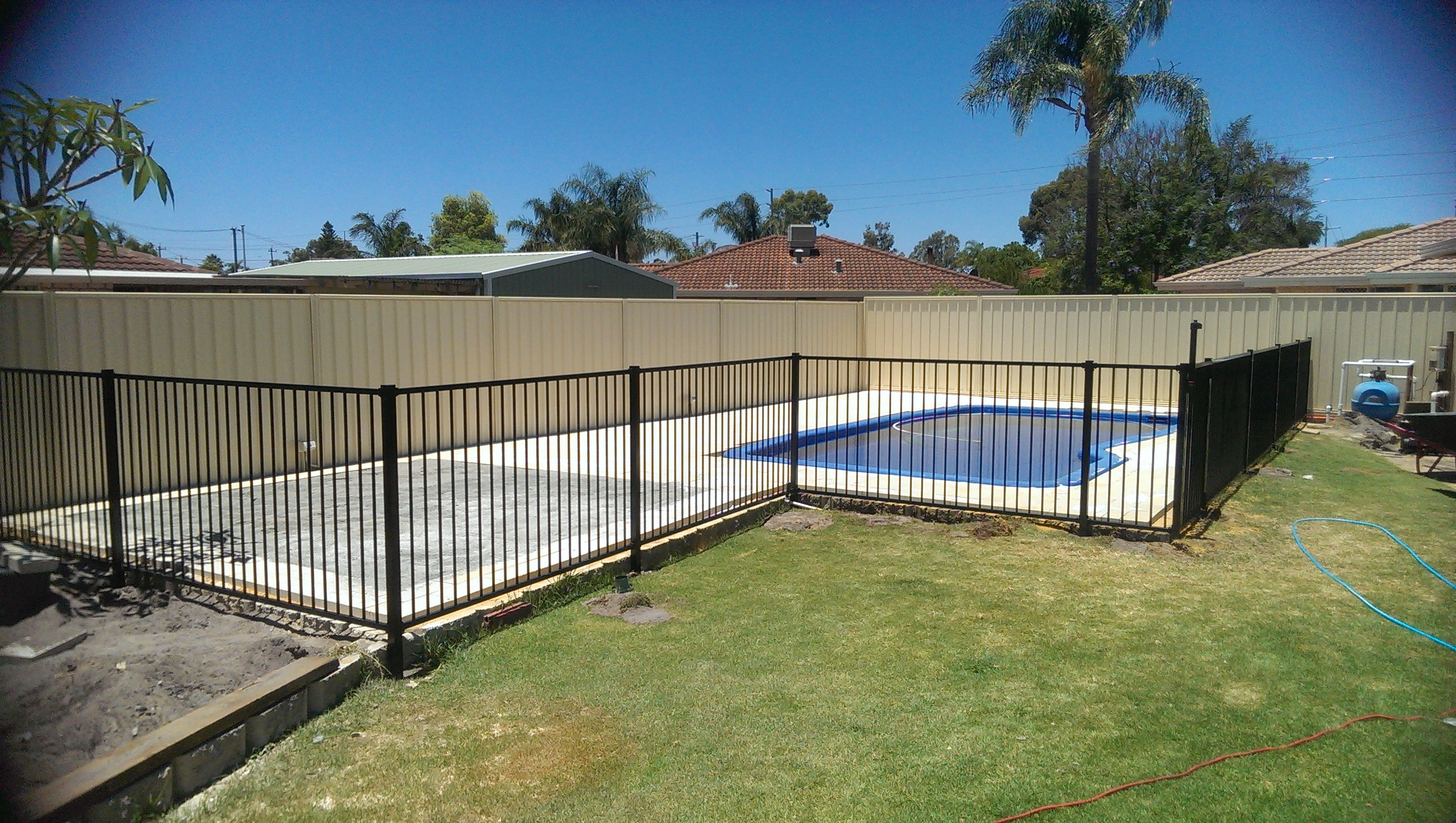 Picture of: Pool Fencing And Gates Aussie Fencing